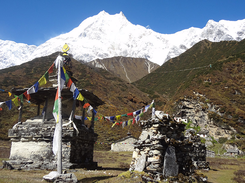 Round Manaslu Lodge Trek